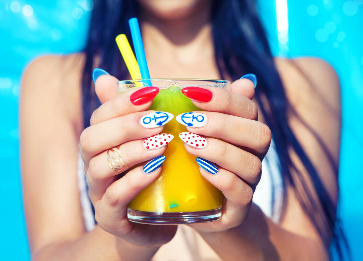 Forme e colori unghie per l'estate 2019