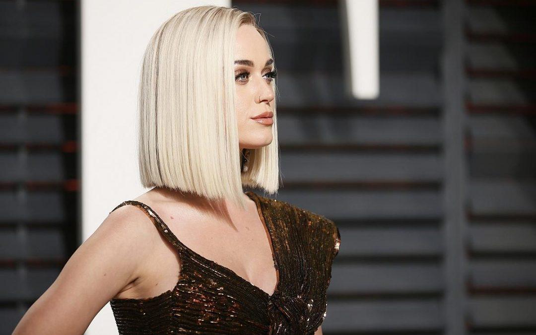 Per un look luminoso e glamour, fatti ispirare dal biondo perla