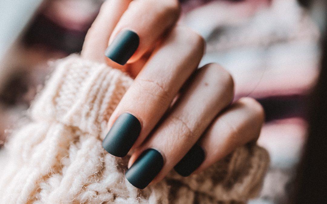 Matte Nails: le unghie opache che spopolano sui feed di Instagram