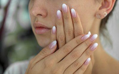 Ombré nails: le unghie sfumate più glam del momento