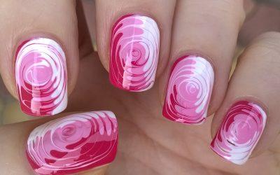 Swirl nails: lasciati avvolgere da un inebriante vortice di colore